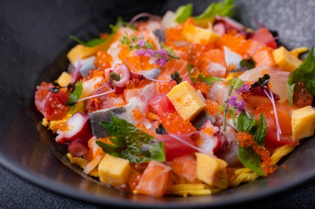 鮨・海鮮料理が楽しめる「鮨じげん」が小頭町にオープン